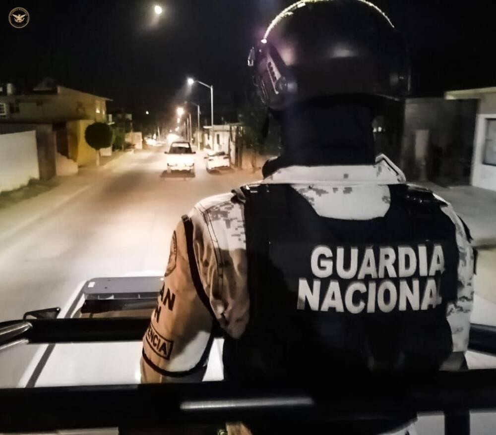 guardia nacional, Camioneta provoca accidente